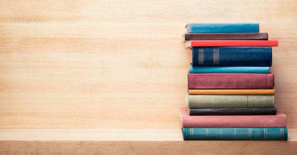 Los 10 libros para community managers que tienes que leer. Presentamos una recopilación de libros para community managers que todos los profesionales del marketing digital deben incluir en su lista de pendientes.
