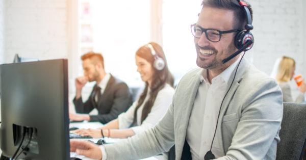 Las 10 habilidades para mejorar el servicio al cliente. Reconozcamos las actitudes y los comportamientos que debemos desarrollar en el equipo para mejorar el servicio al cliente y darle un impulso al negocio.